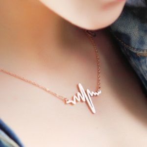 NEW Gold Heart Beat Necklace